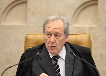 Lewandowski diz que decisão do plenário não tem efeito vinculante e solta homem antes do trânsito em julgado