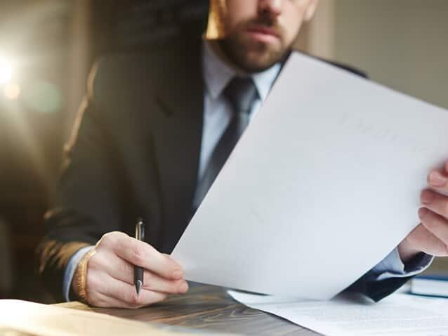 Advogado analisa edital que permite pagamento de PLR com descontos