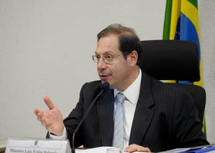 Comissão de juristas quer arbitragem em relações de consumo e na administração pública