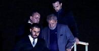 Lula se entrega à PF