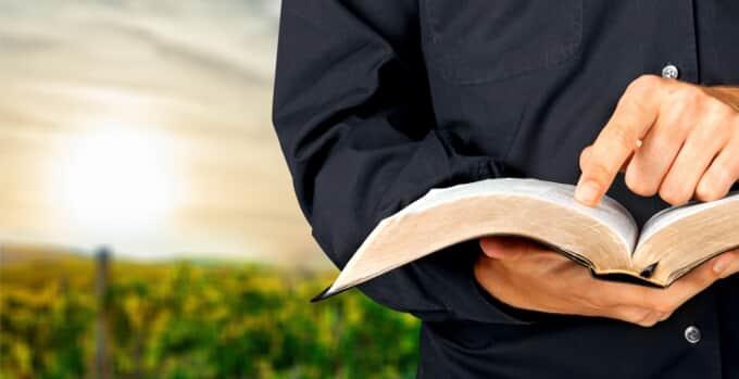 Banco é condenado por dano moral coletivo por discriminação religiosa