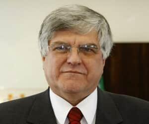 Presidente do TJ/PR requer direito de resposta a editorial da Gazeta do Povo