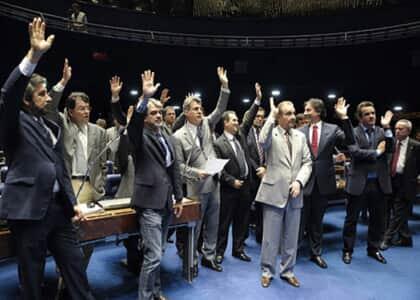 Senado aprova substitutivo à minirreforma eleitoral