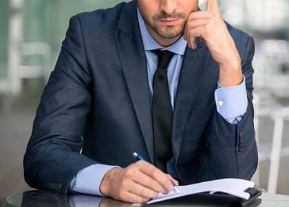 Advogado com vínculo empregatício pode exercer outras atividades profissionais