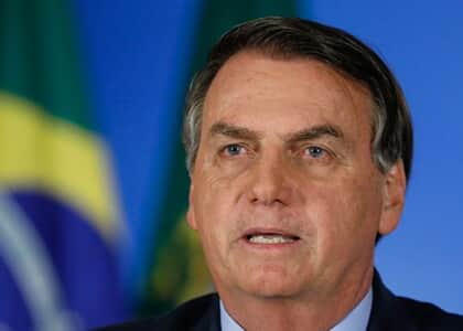 "Bolsonaro diz que às 17h vai ""restabelecer a verdade"" da saída de Moro"