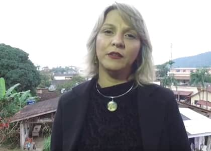 Costela fraturada, mata-leão e detenção: advogada relata agressões de PMs ao visitar cliente