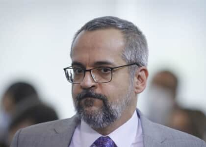 Alexandre de Moraes ordena que Weintraub esclareça ofensas ao STF