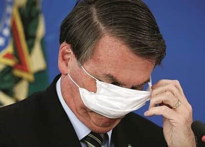 Justiça obriga Bolsonaro a usar máscara em locais públicos