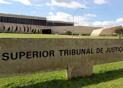 STJ aprova súmula sobre transferência de detentos em presídios Federais sem consulta a advogados