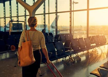 Companhia aérea deve indenizar por cancelamento de voo sem motivação