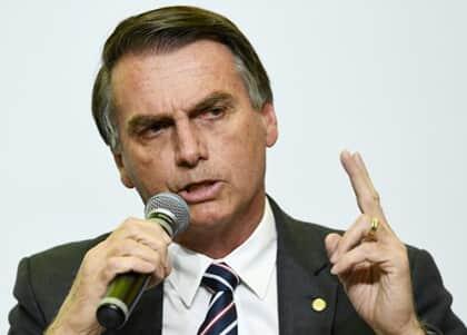 Bolsonaro encabeça luta contra exame de Ordem há mais de 10 anos