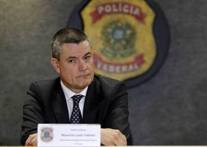 Exoneração de Valeixo da PF é republicada sem assinatura de Moro