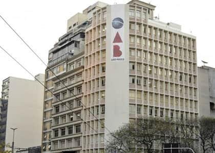 OAB/SP repudia atos de ameaça à democracia e ataques a Poderes