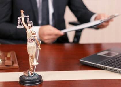 Empresa de consultoria é impedida de captar clientes para serviços jurídicos