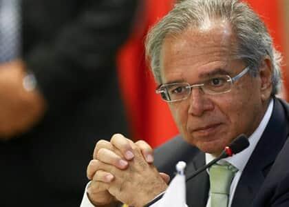OAB não será atingida pela extinção de inscrição obrigatória em conselho de classe, diz Guedes