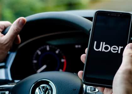 TST desobriga Uber de pagar salário mínimo a motoristas durante pandemia