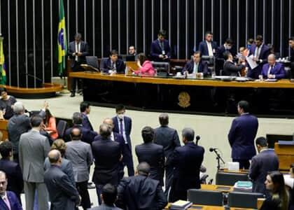 Câmara dos Deputados aprova projetos com medidas de combate ao coronavírus