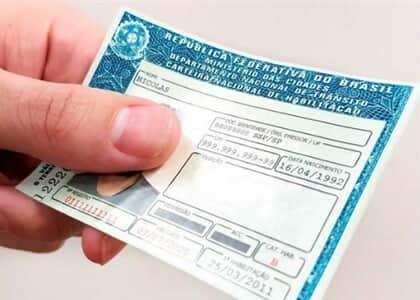 Suspensa CNH de devedor em ação que se arrasta há cinco anos