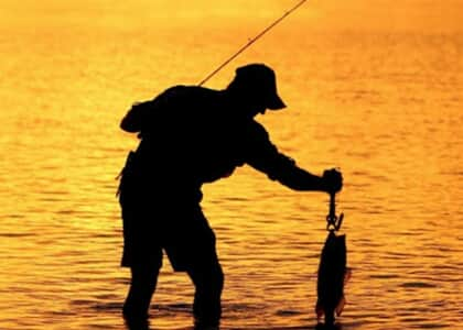 Juiz libera atividades de pescadores nas praias de Camaçari/BA