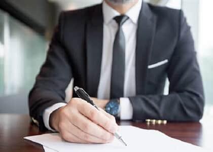 Bacharel aprovado apenas na 1ª fase do exame de Ordem poderá advogar