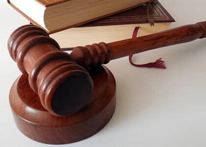 Não se pode presumir dedicação exclusiva de advogado que trabalha mais de 4 horas diárias