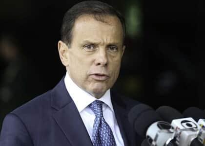 """Doria é condenado por uso de slogan """"Acelera SP"""" quando era prefeito de São Paulo"""