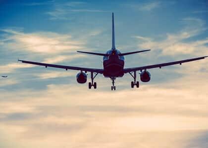 Cia aérea indenizará advogado que perdeu audiências por cancelamento de voo