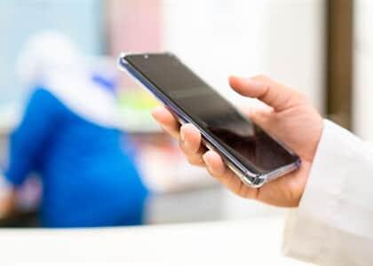 Propostas querem facilitar acesso virtual de familiares a pacientes internados com covid-19