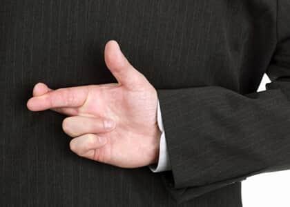Empresa é condenada em má-fé após juízo concluir que advogadas mentiram sobre citação