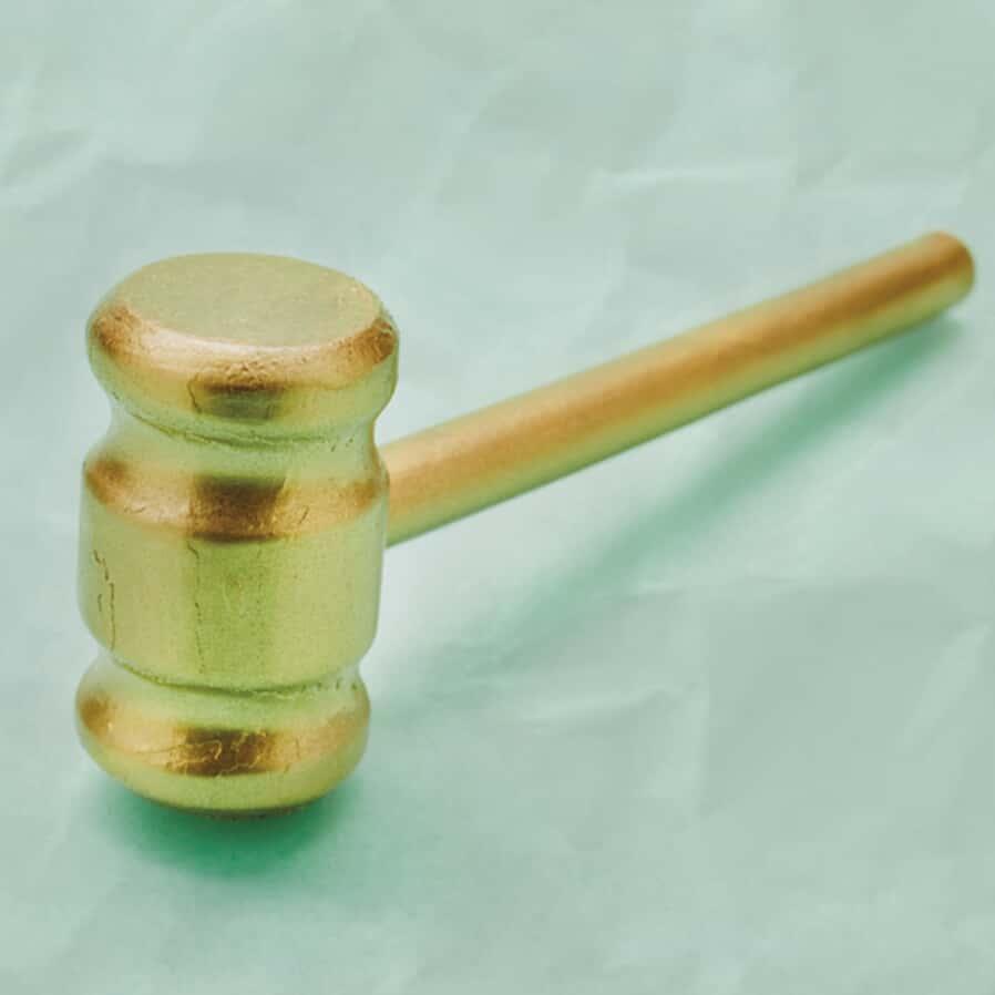 Covid-19, gravidez e o caso de conflito na aplicação da lei 14.151/21